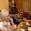 Finta irruzione di Polizia durante una partita di poker: folle proposta di matrimonio in Russia…