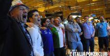 WSOP 2012 – Premiazione e inno nazionale per Rocco Palumbo!