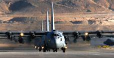 Full Tilt arriva sull'isola di Man a bordo di un aereo militare