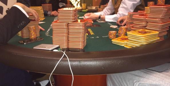 Un player britannico fotografa una partita 'segreta' da 20 milioni di dollari a Macao: blind da 12,500$/25,000$!