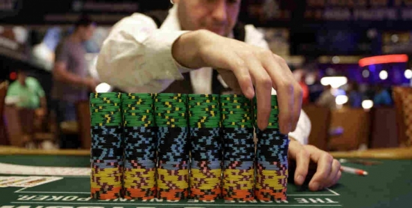 Multi-entry: i vantaggi di giocare un torneo con più ingressi