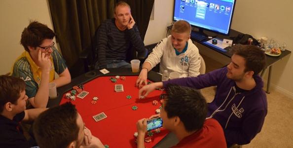 PokerStars tratta con i top reg di Dota2!
