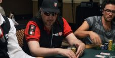 WSOP – Tavolo finale amaro per Massimo 'Maxshark' Mosele. Bracciale a Connor Berkowitz.