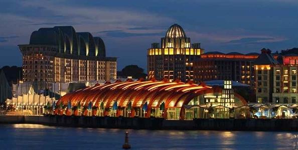 Cheating al Resort World Sentosa di Singapore: arrestati un dealer ed un giocatore per collusion