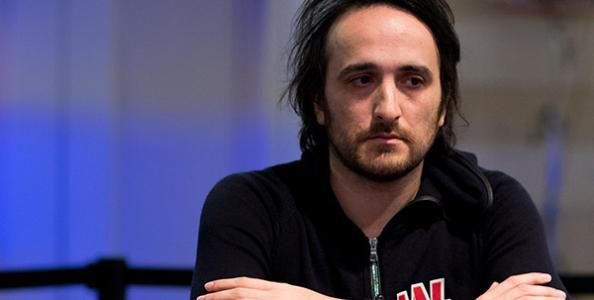Top 5 Poker Tells: scopri se il tuo avversario sta bluffando!