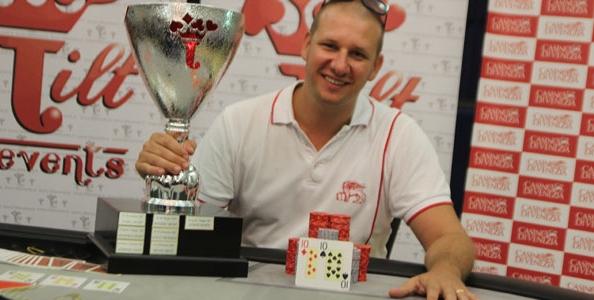 Tilt Poker Cup – Daniele Picardo alza la coppa del vincitore, sul podio anche Dellisanti e Nuvola