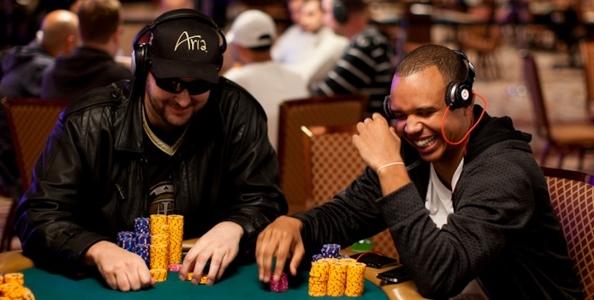 Phil Hellmuth non perde il vizio del poker cinese: sfida Cantu e altri pro 'braggando' le sue vincite