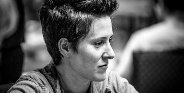 """Il clamoroso addio di Vanessa Selbst: """"Non voglio più fare l'ambasciatrice del poker, mi do al trading"""""""