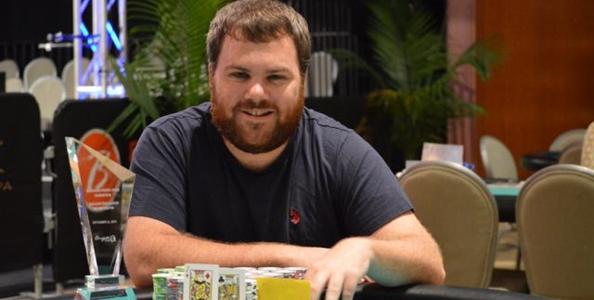 WSOP – Kyle Bowker spiega perché ha foldato poker di sette al Main Event!