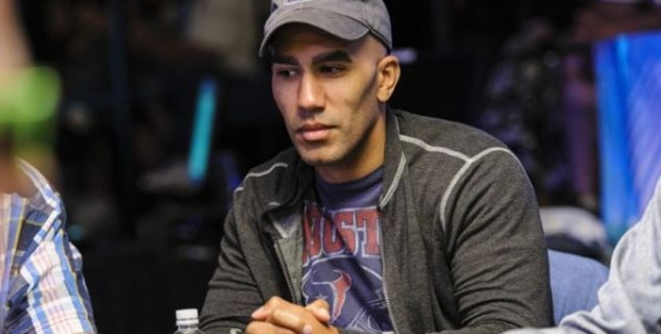 Bill Perkins irrompe su PokerStars dot com e perde un pot da 127.000$ al 200/400$!