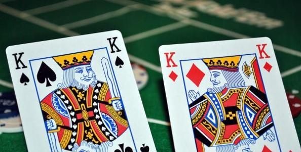 Punti di vista MTT: K-K con draw 2nd nut su flop monotone Jack high sul push di un Reg