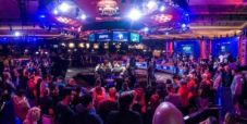 WSOP Main Event – Blumstein prende il largo al final table! Hesp crolla, Lamb e Sinclair sono out