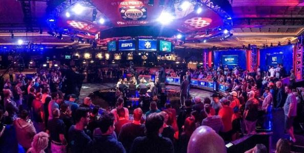 WSOP Main Event – Blumstein prende il largo al final table! Hesp crolla, Lamb e Sinclair sono out