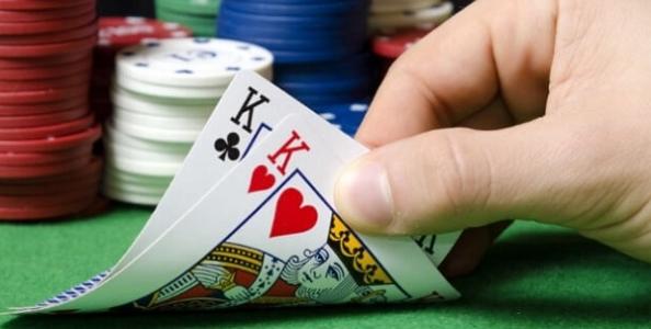 Le 5 situazioni in cui si deve foldare una premium hand secondo Nathan Williams