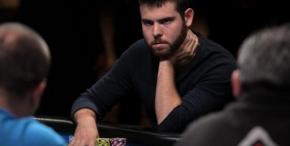 Jack Sinclair e l'attimo ideale per il bluff: che mano al Double Stack WSOP 2019
