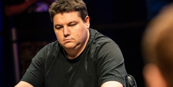 La pessima giornata di Deeb alle WSOP: folda scala a tre left e saluta il quinto braccialetto
