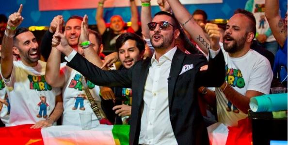 Il calore della curva italiana per Dario Sammartino al Tavolo Finale del Main Event WSOP