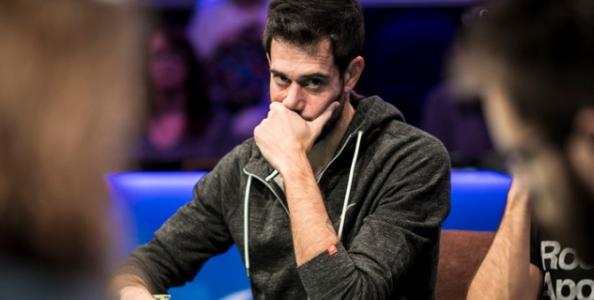Nick Schulman silurato dal commento delle WSOP per una infelice battuta sul Main Event