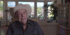 Gli aneddoti di Doyle Brunson: Una volta a poker vinsi il cane di Sailor Roberts