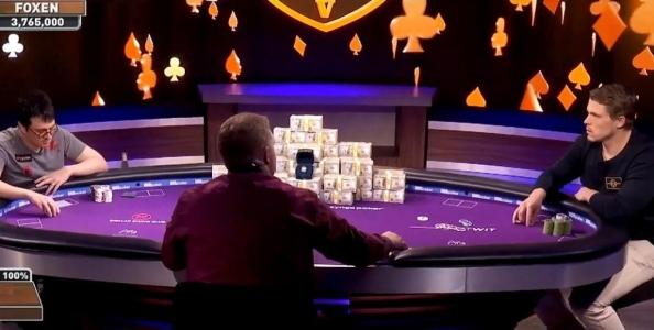 Perché quando si bluffa a poker è importante essere coerenti: una mano per capirlo