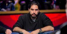 Alexandros Kolonias e due mani particolari verso il bracciale WSOPE 2019
