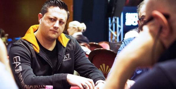 Il paradosso tutto italiano del poker online spiegato da Andrea Sorrentino