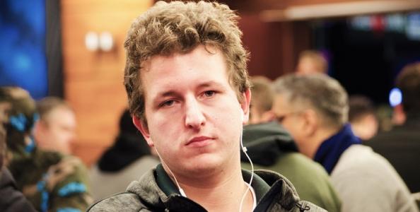Il bluff di Giuliano Bendinelli al Main EPT di Praga che ha fatto saltare l'avversario dalla sedia!