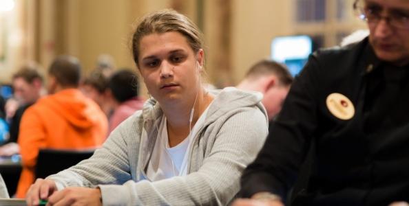 Chi è Niklas lena900 Astedt, il nuovo recordman dei tornei di poker online