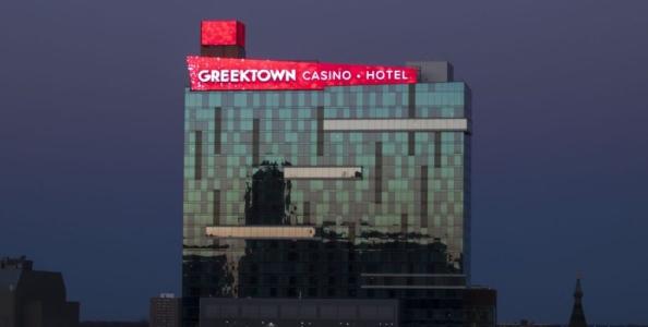 Una mano di cash game a Detroit: scelta difficile su overbet river