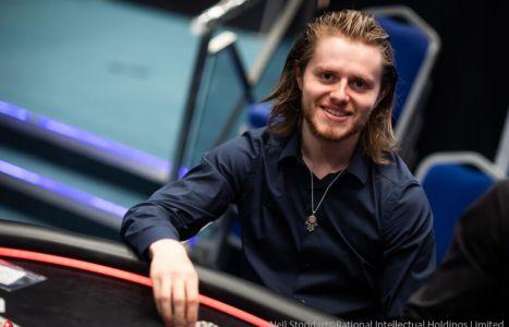 Lo slancio per il poker di Charlie Carrel a ogni livello di bankroll