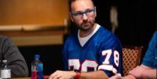 WSOP 2021: Hellmuth chipleader al Seven Stud, Negreanu ben piazzato al Mixed Omaha