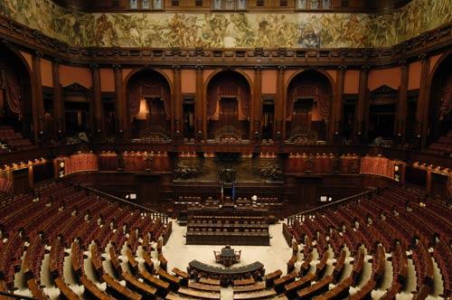 Legge italiana sul poker online niente carcere per chi for Camera dei deputati on line