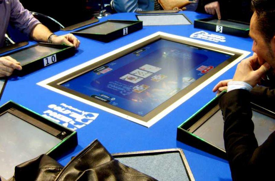 Play poker machines online