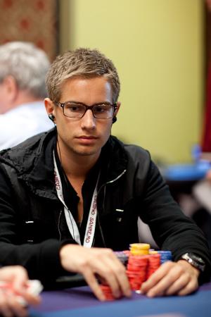 1g poker online