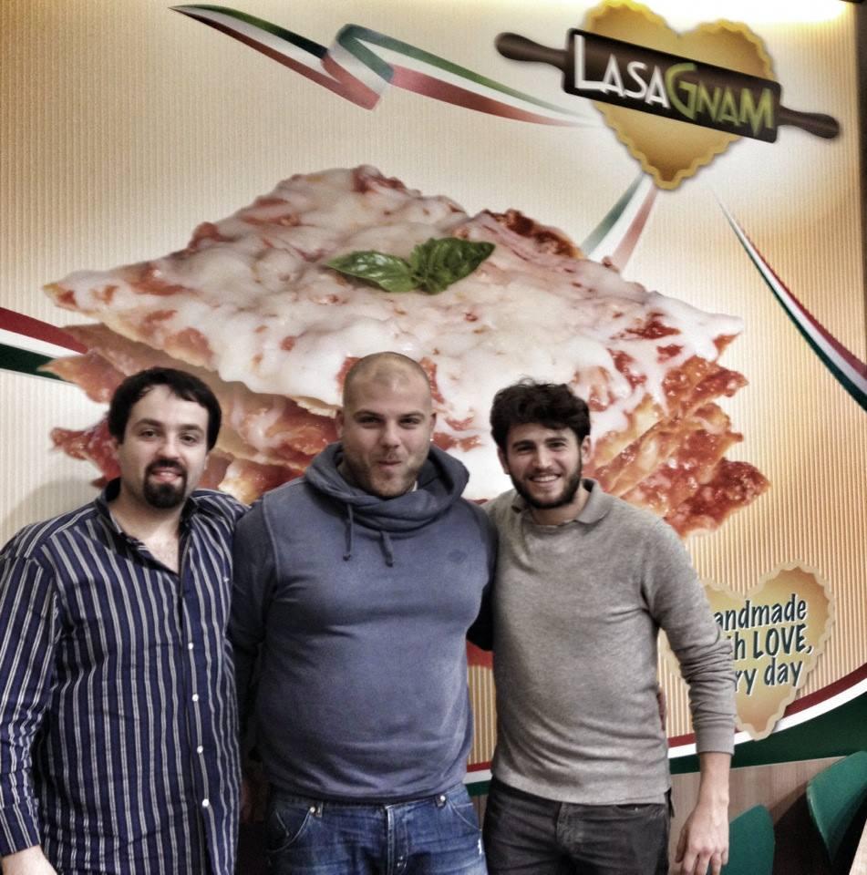 Mario (al centro) con Cristiano Guerra e Tommaso Briotti